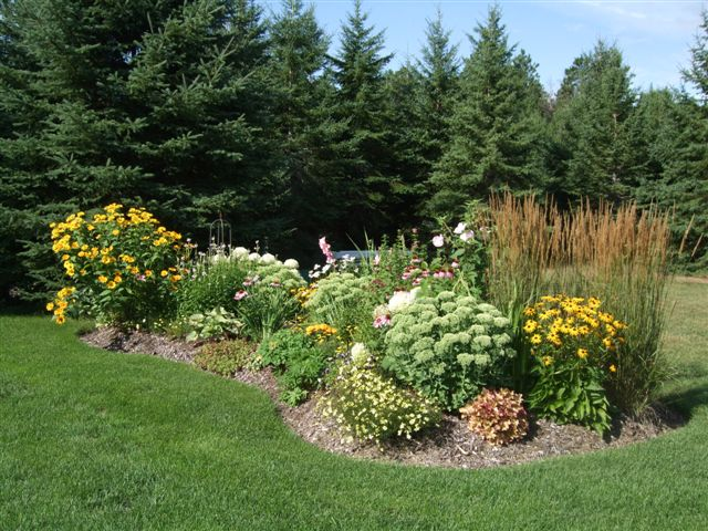 Garden photo contest for Flower bed shapes designs